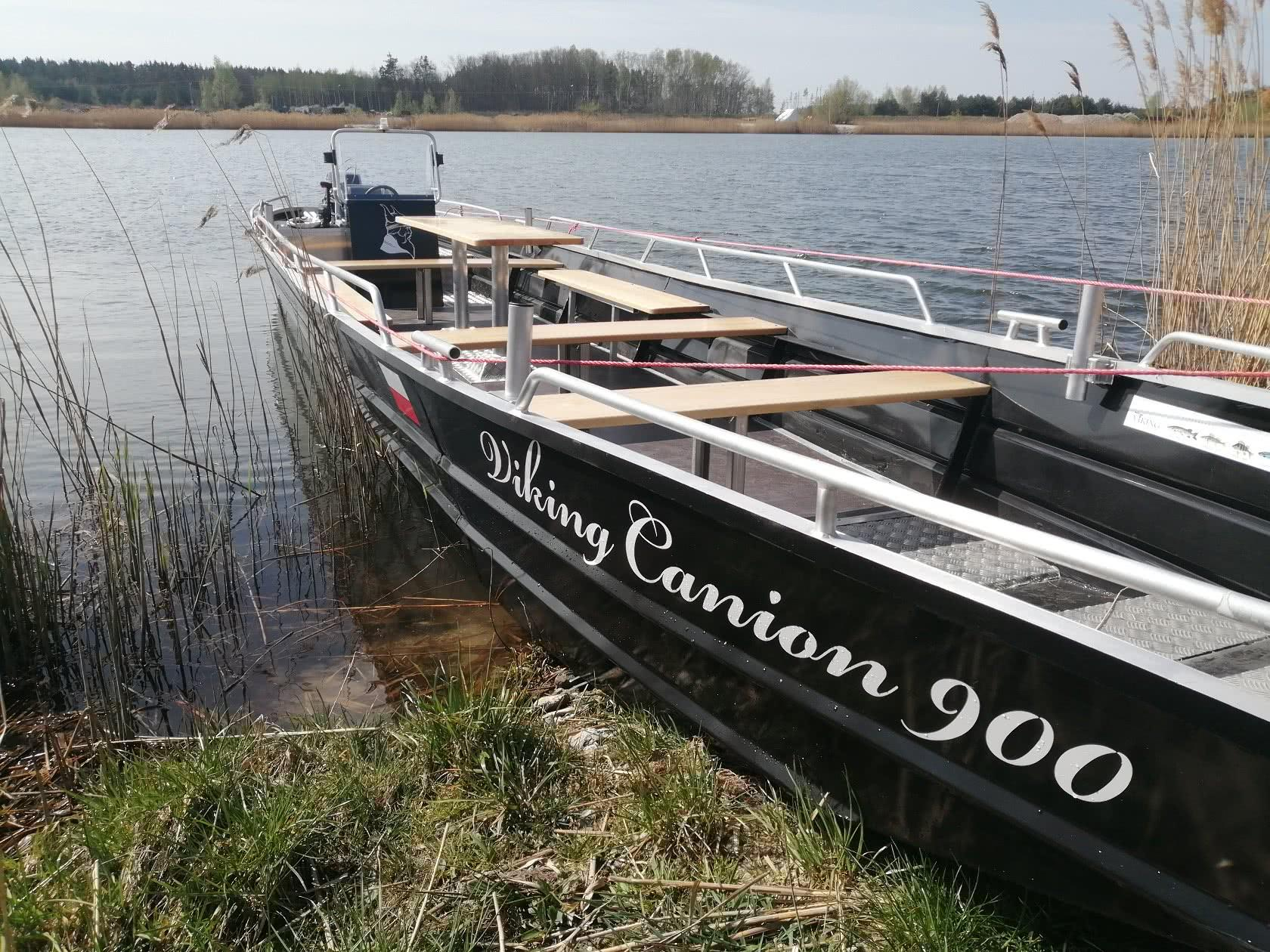 Łódź Aluminiowa Viking 900 01